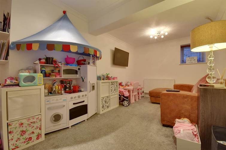 Play Room - Picture 13 of 28